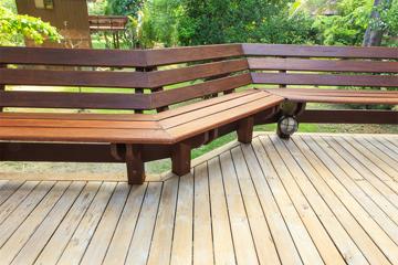 Garden decking price survey blogtradesmen for Garden decking seating