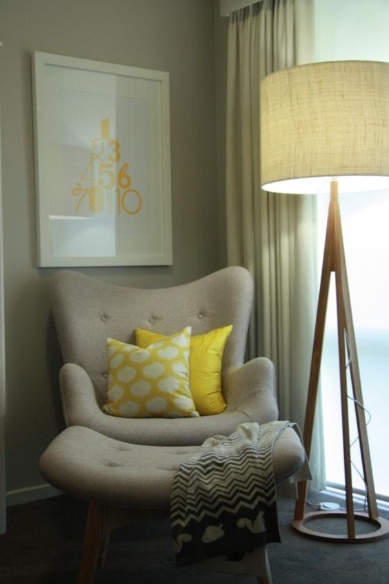 Upholstered chair with cushions