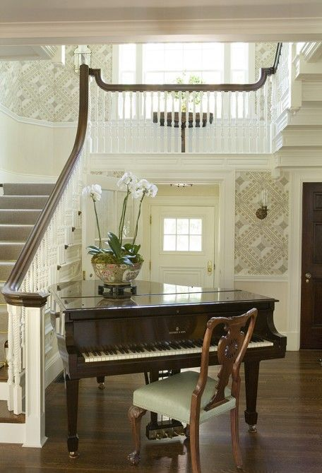 piano in hall