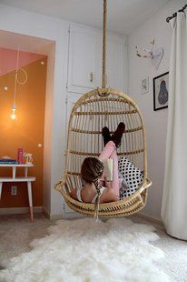 hanging-chair-student