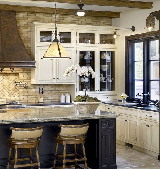 navy-and-cream-kitchen