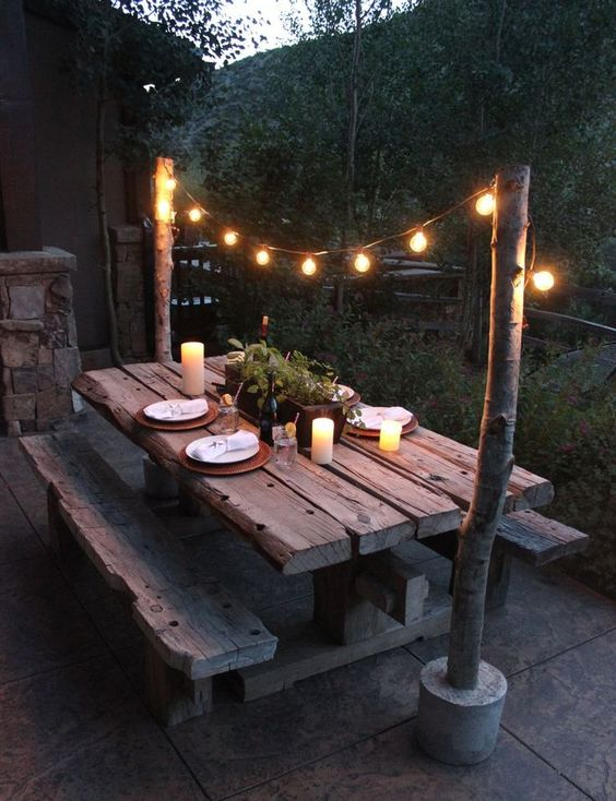outdoor-eating-lighting