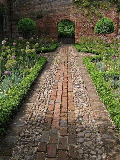 garden path straight