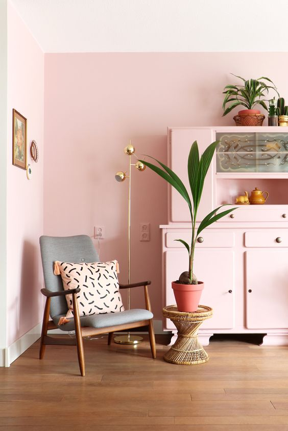 decorating pale pink walls