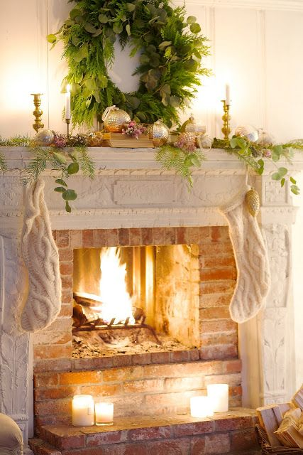 Country cottage Christmas mantelpiece